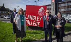 Mayor Awards Langley College Certificate for Outreach Work During Lockdown